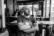 l'homme dans le bar par Pierre Montant
