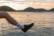 Sunrise, stone skipping and kicking par Anna Salzmann
